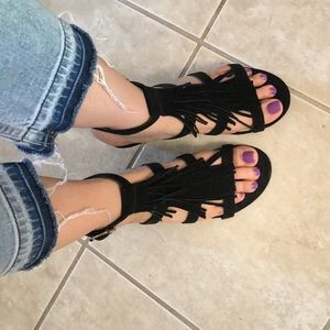 $8 Tiny Wedge Sandals 👡